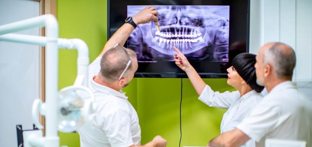 Implantologia – wszczepy śródkostne