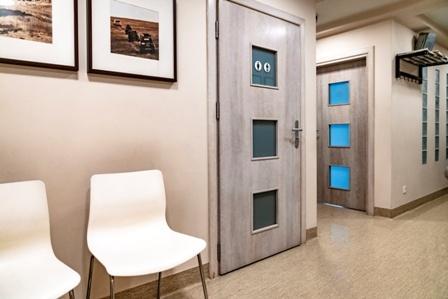 drzwi do gabinetu